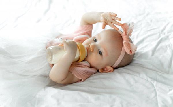 چند نکته در مورد تغذیه نوزاد
