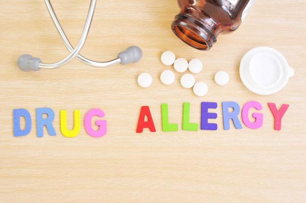 علائم متداول آلرژی به دارو