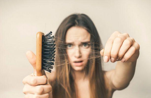 8 حقیقت درباره ی علت ریزش مو که کمتر کسی درباره ی آن میداند